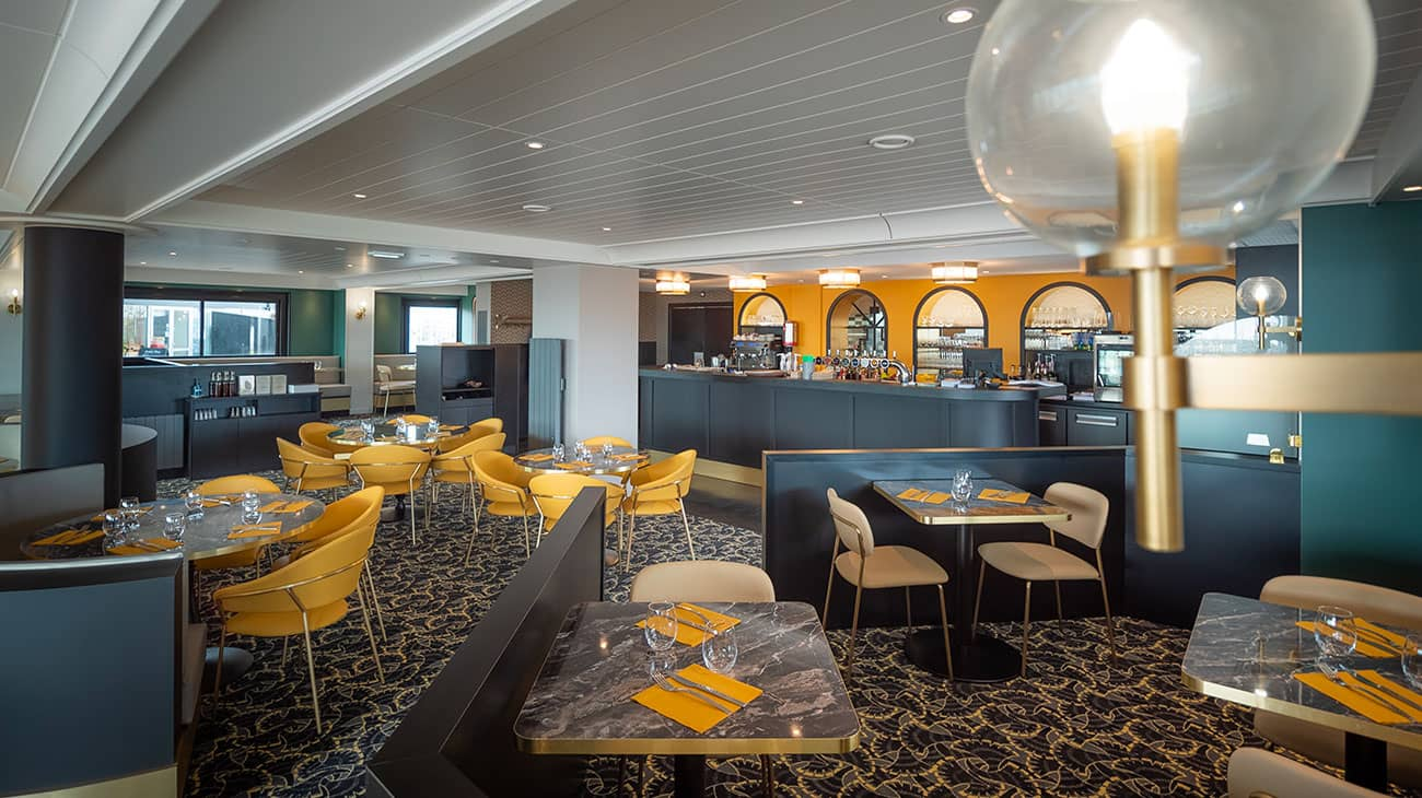 Agencement du restaurant Victoria par Calme Intérieur, Agenceur à Yffiniac