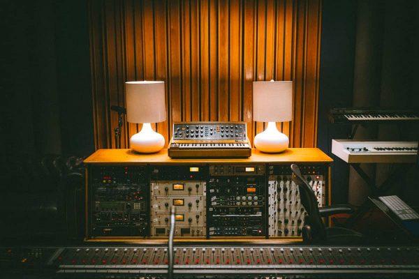 Console du studio a - Agence de communication à Saint-Brieuc
